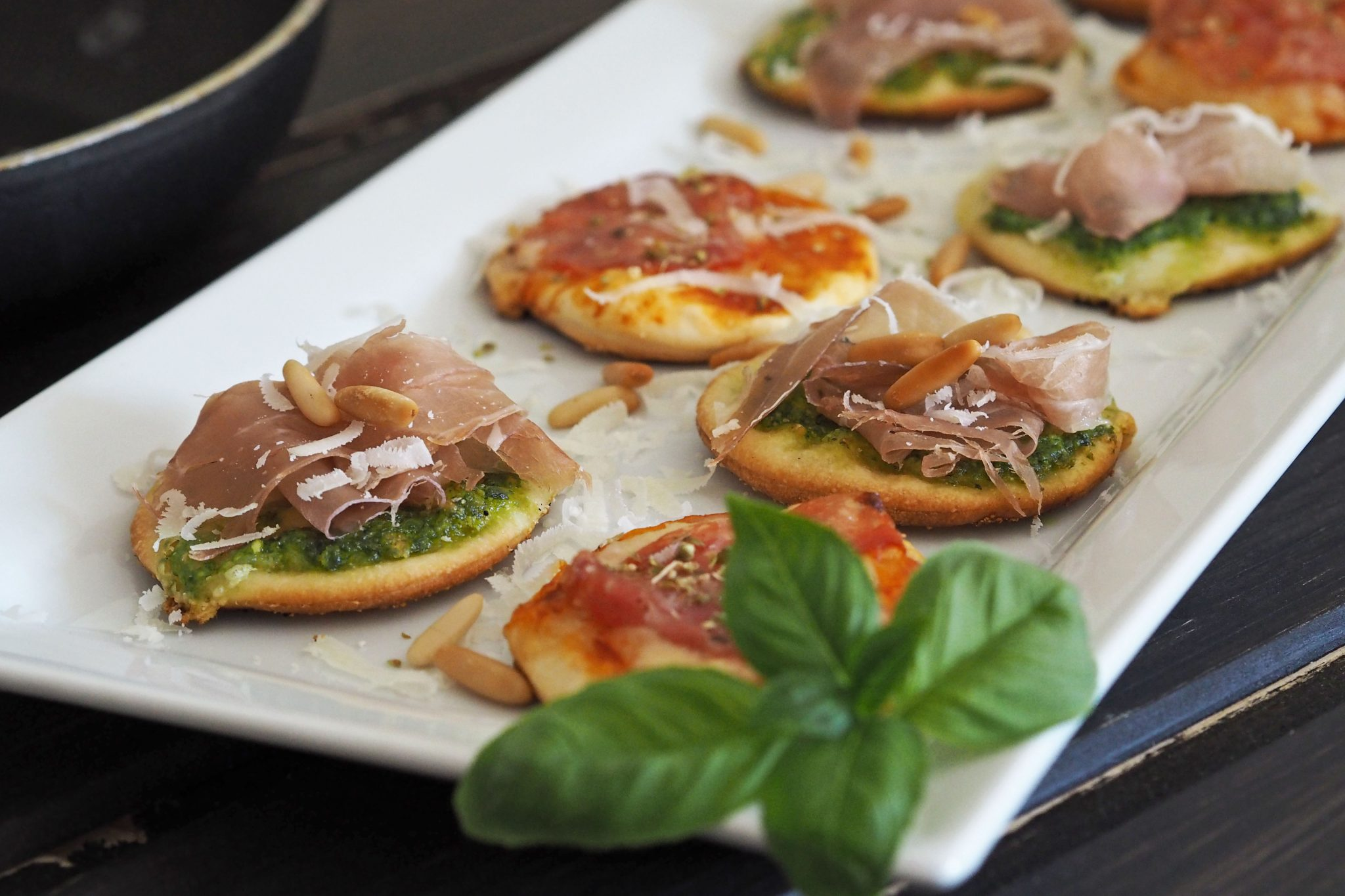 Minipizzen Pizzateig Rucolapesto