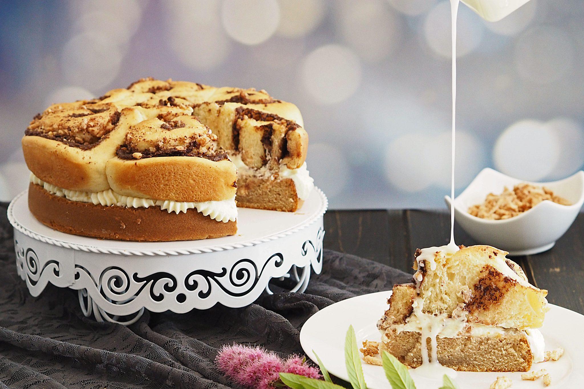 Zimtschneckenkuchen mit Schokolade und gebrannten Mandeln