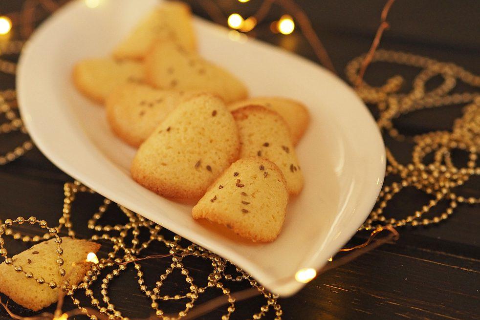 knusprige Biskuittaler mit Anis Weihnachtskekse