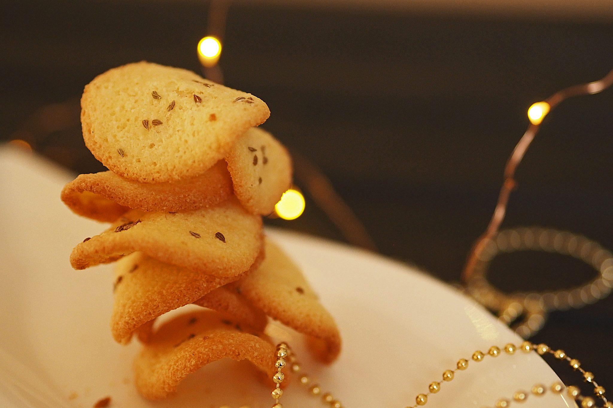 Knusprige Biskuittaler mit Anis, Österreich Weihnachtskekse
