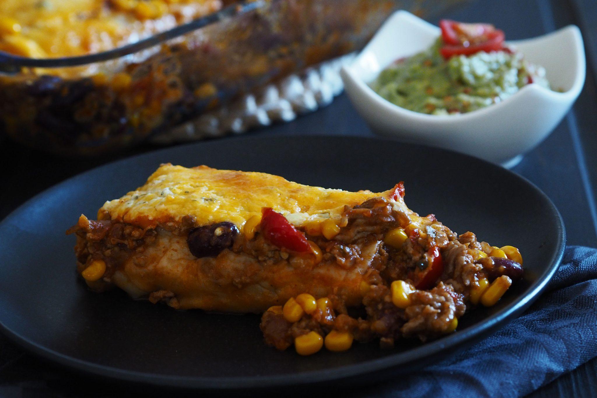 Überbackene Enchiladas mit Avocado-Dip