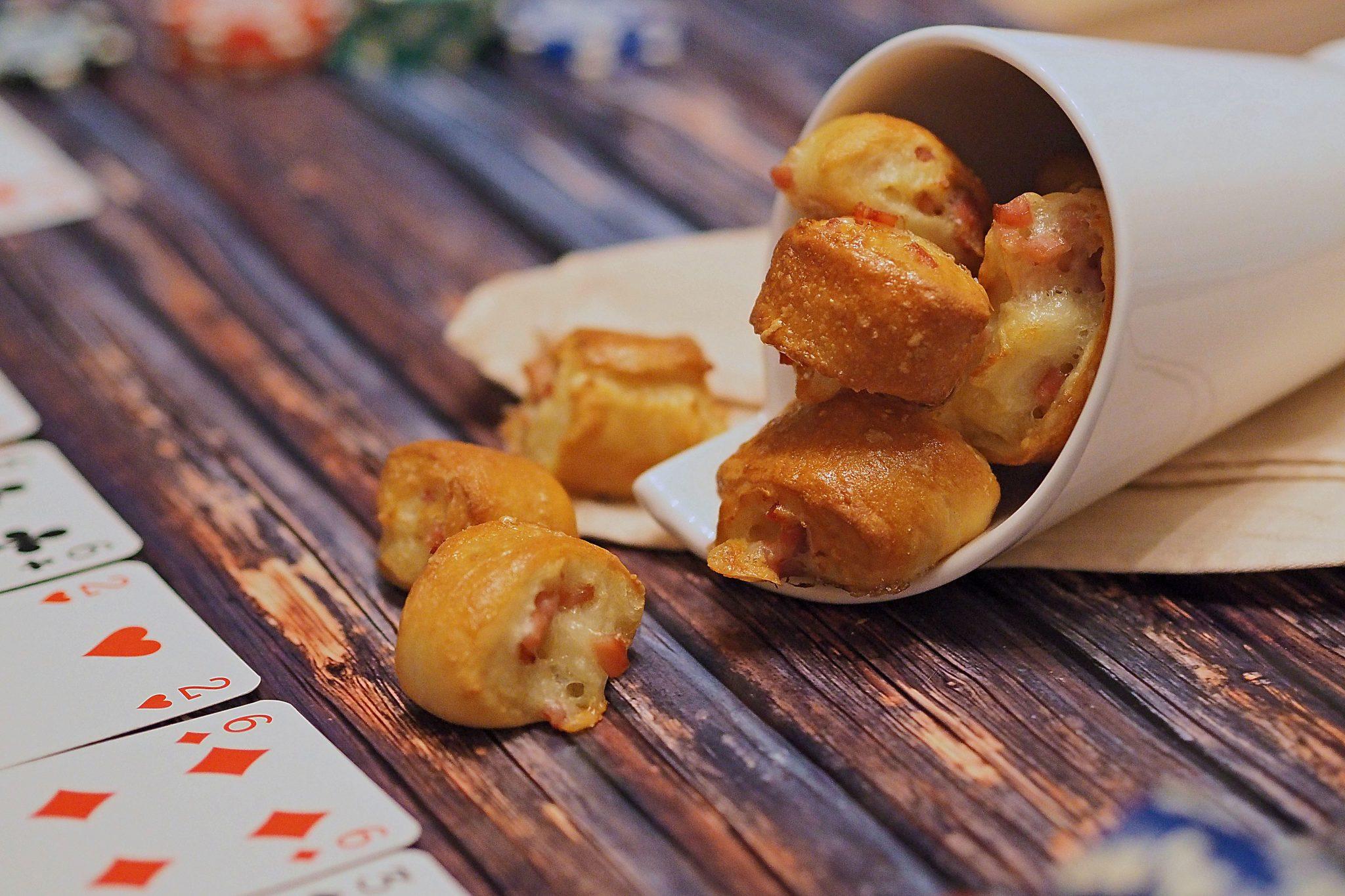 Fingerfood Snacks Brezel Käse