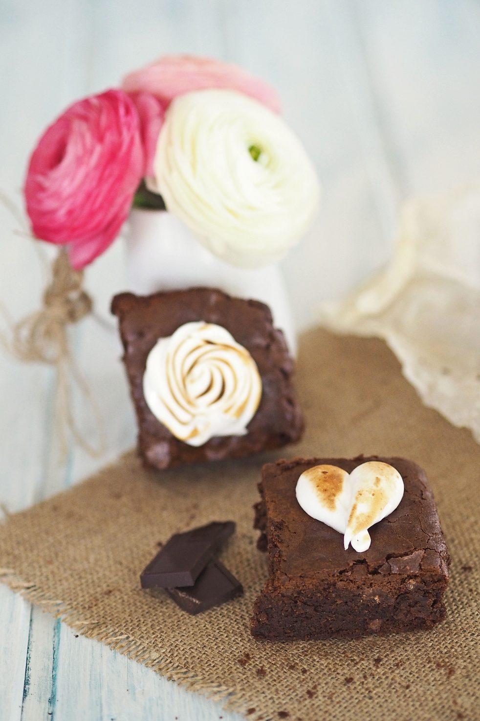 Meringue Brownies für Muttertag und Valentinstag