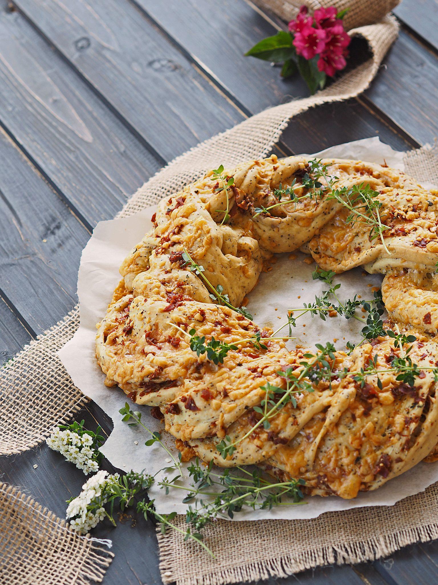 Brotkranz mit Rohschinken und Käse