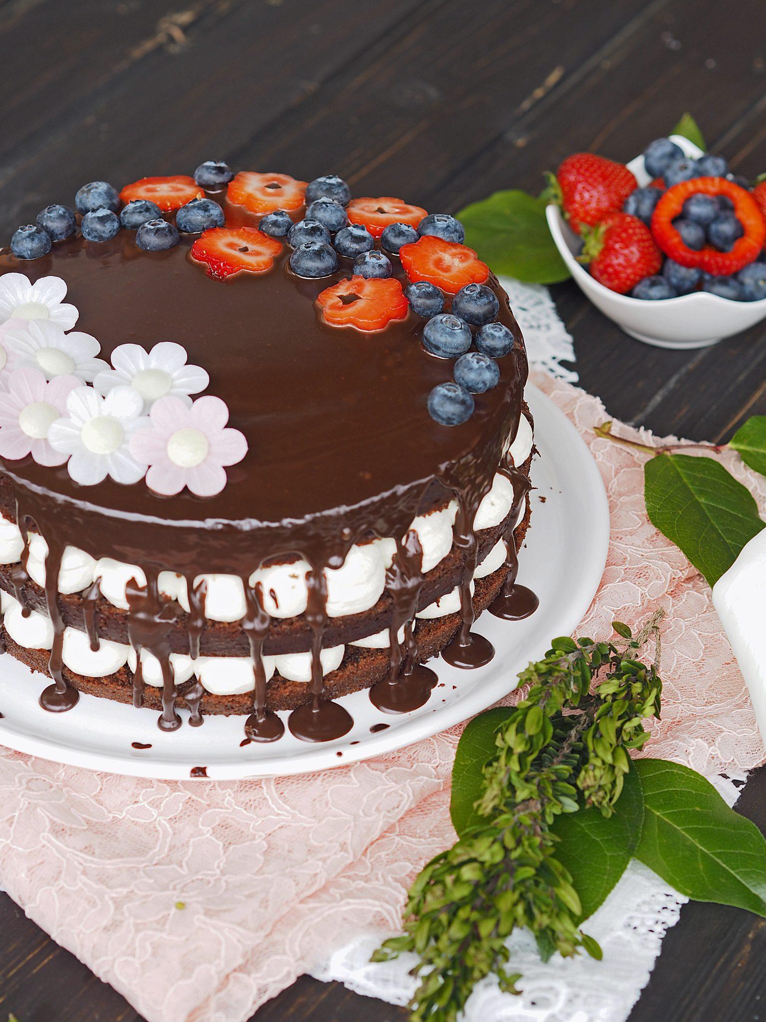 Torte mit Beeren