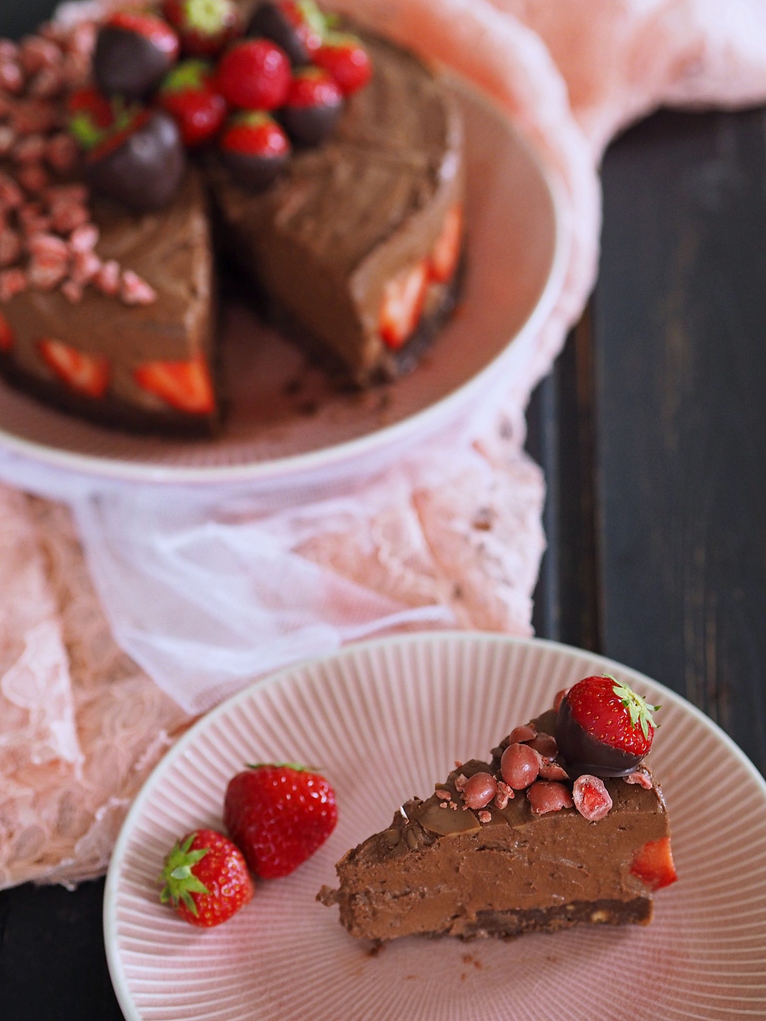 no bake Chocolate Cheesecake mit Erdbeeren