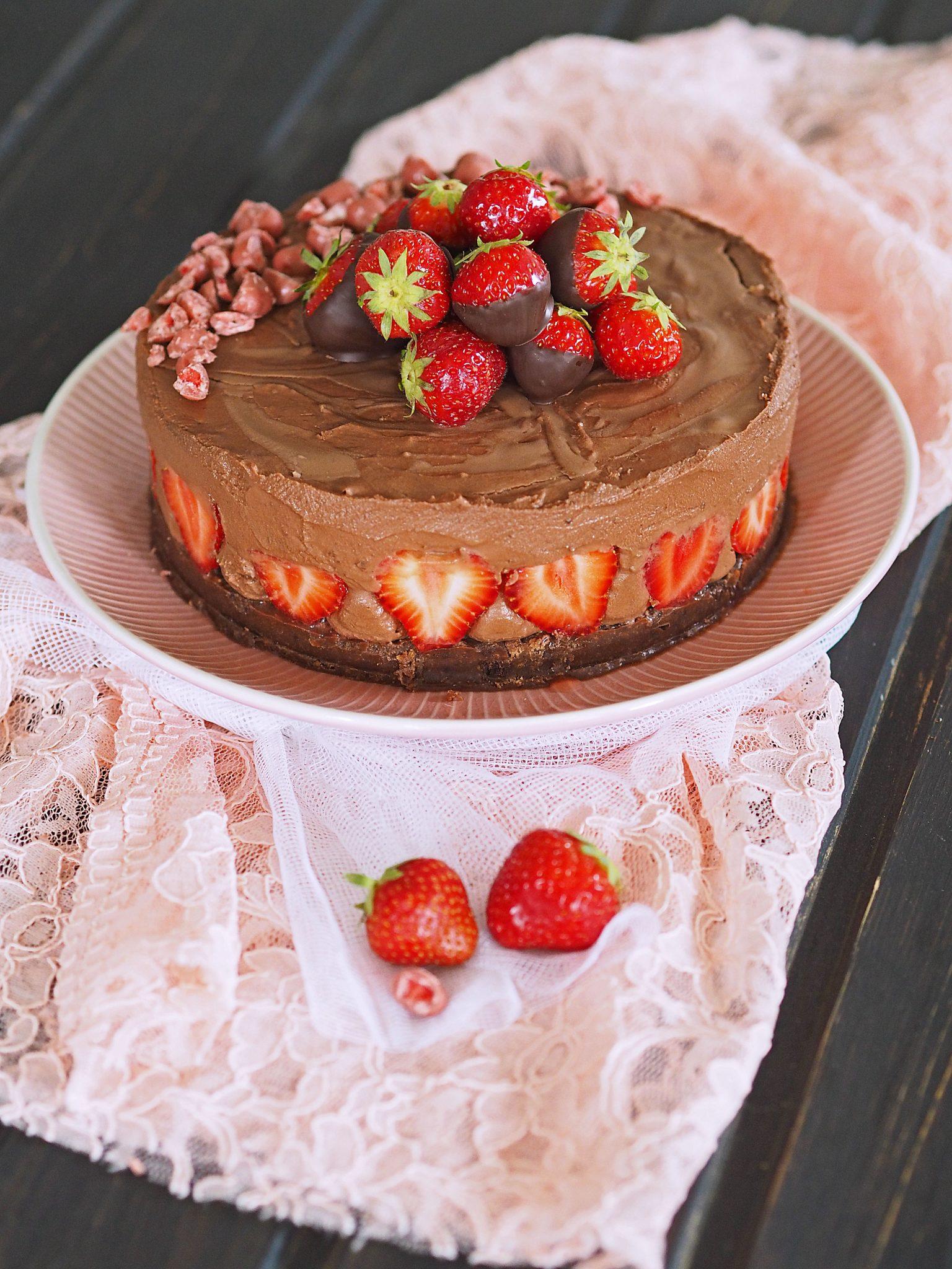Chocolate Cheesecake mit Erdbeeren