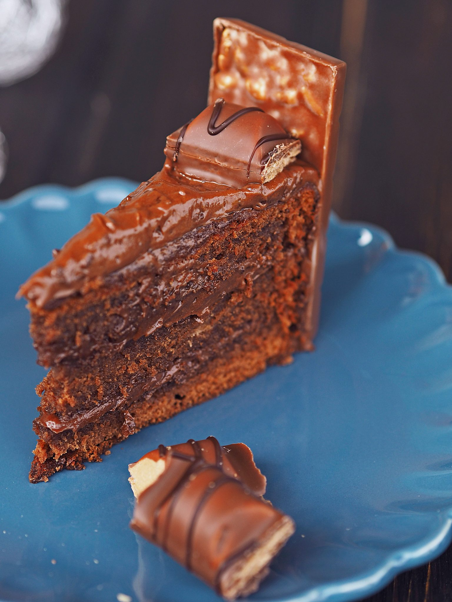 Schokoladencreme Torte mit Schokoriegeln