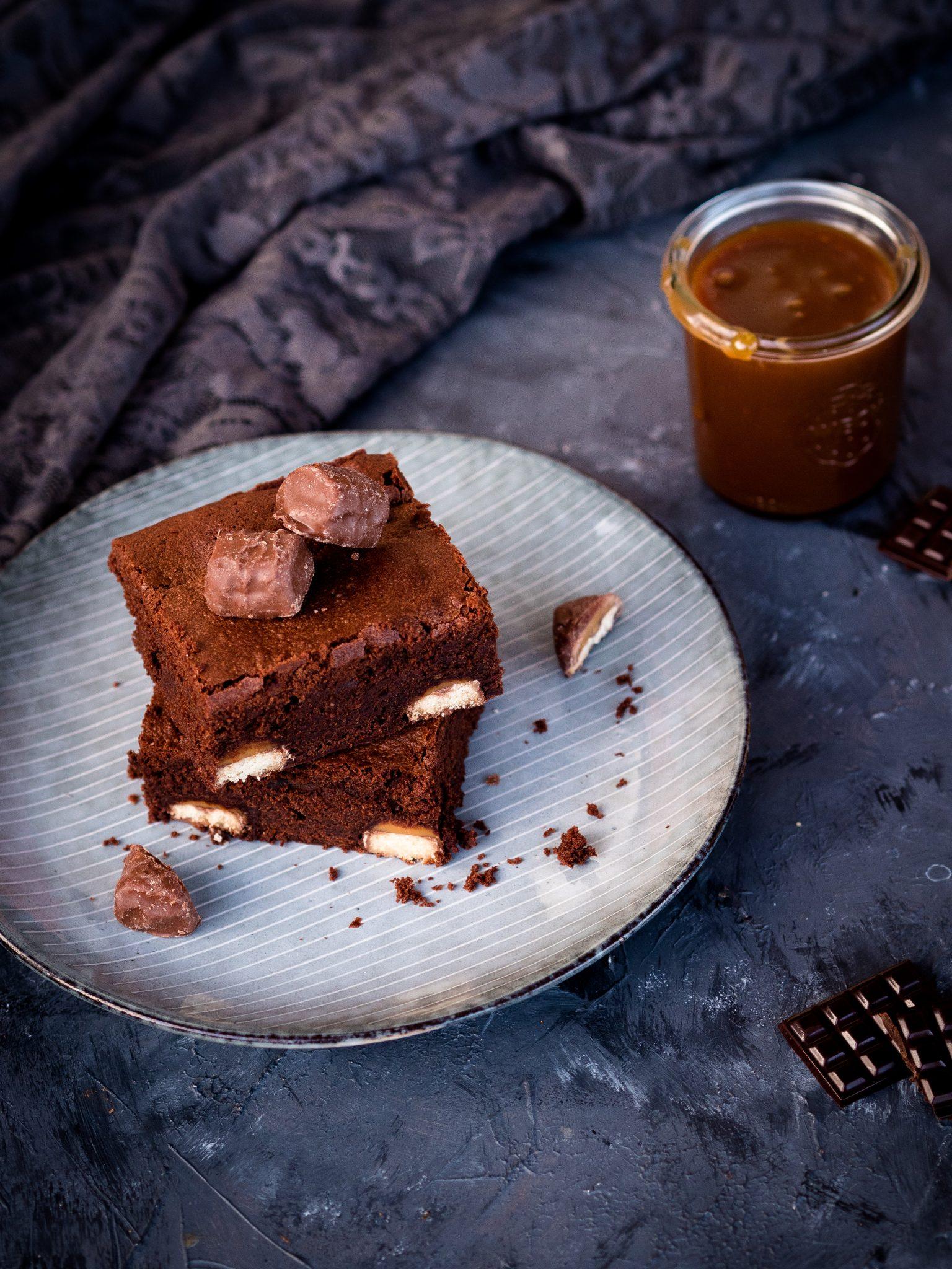 Brownies mit Salzkaramellsauce