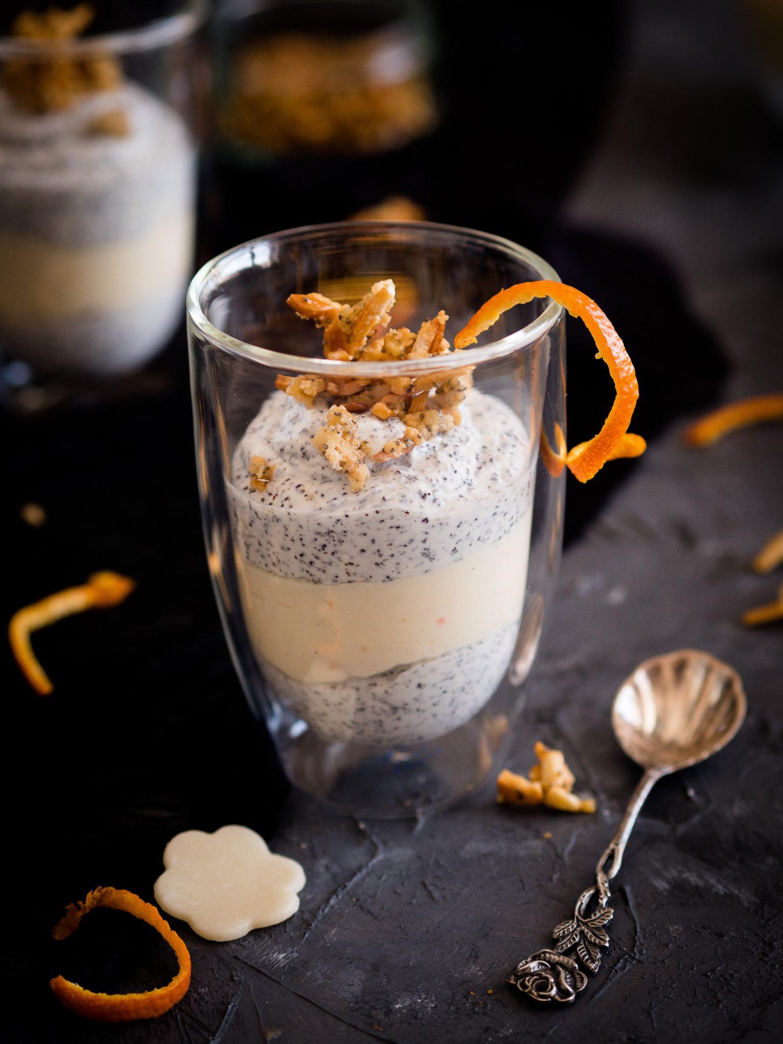 Mohn-Marzipan-Dessert