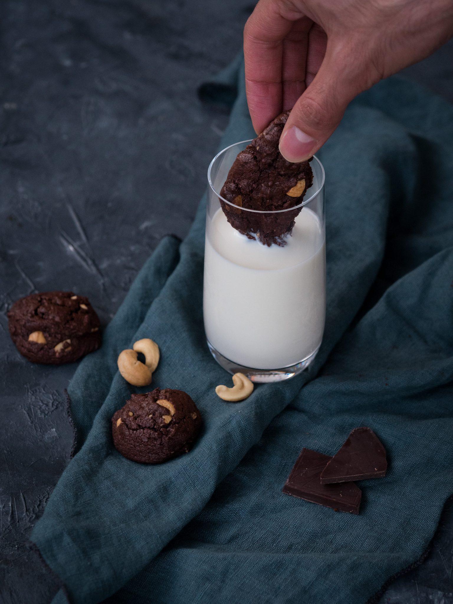 Schokoladenkekse mit Milch