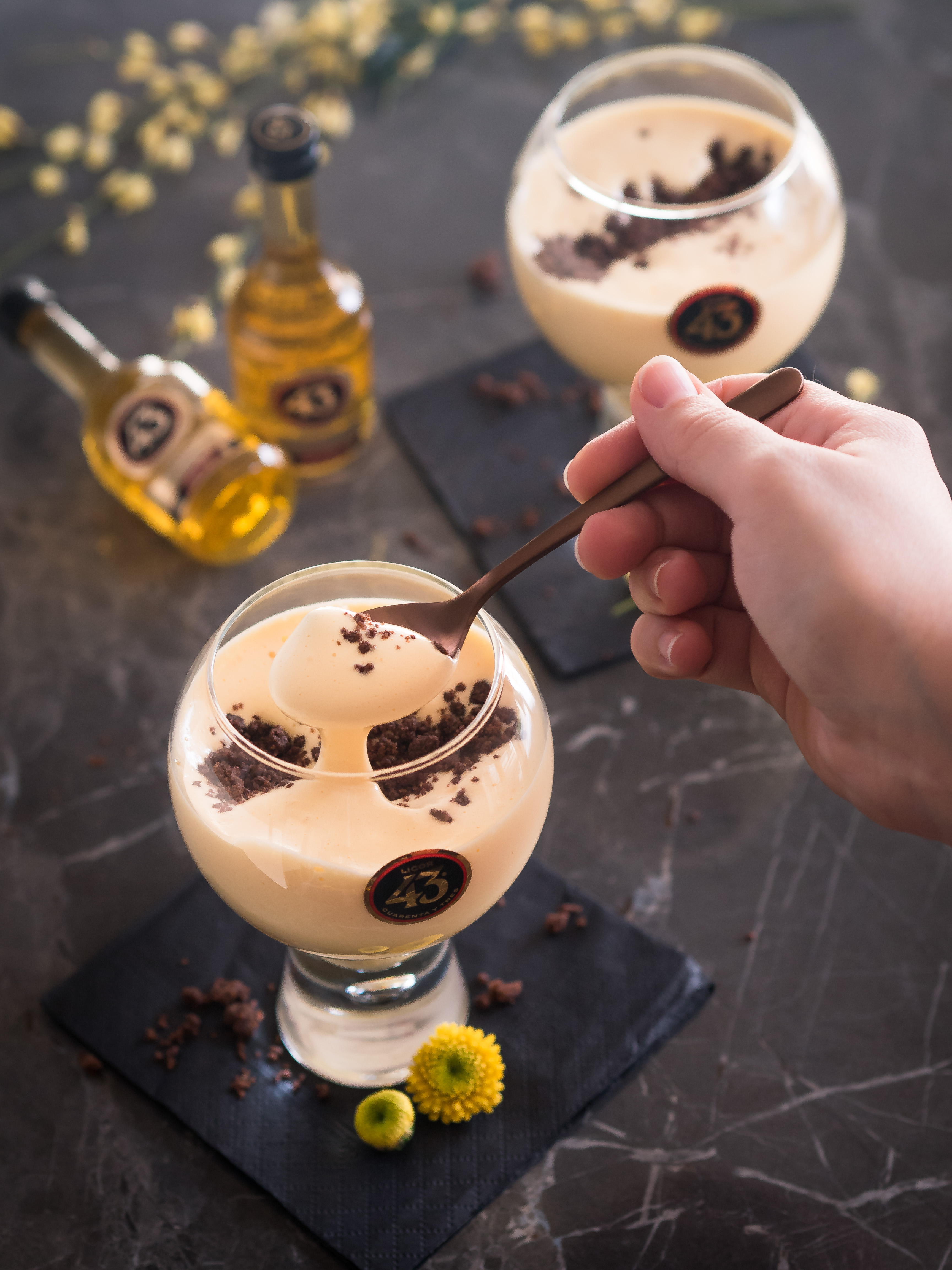 Zabaione mit Coffeecrumble