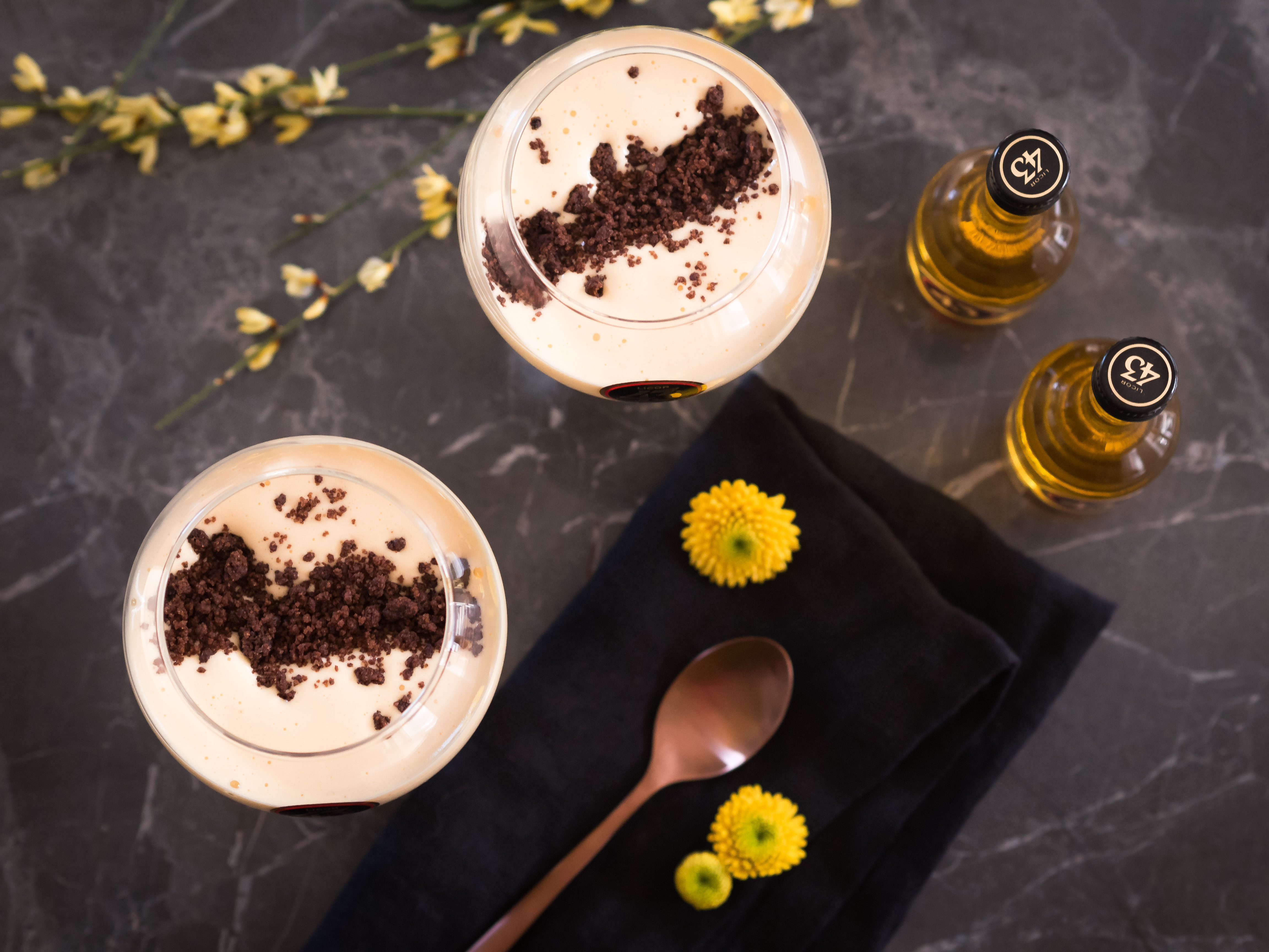 Zabaglione mit Kaffeestreusel