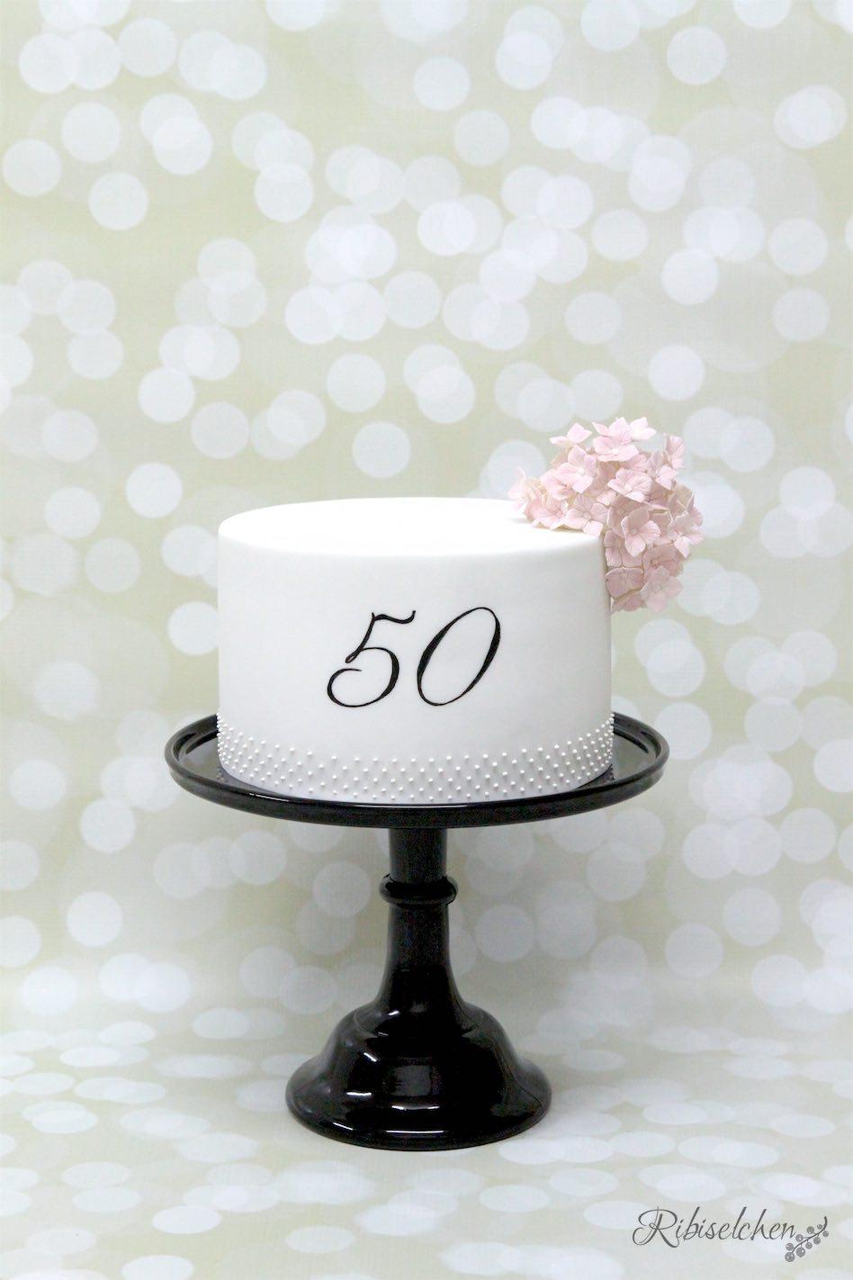 Torte mit Hortensien aus Zucker