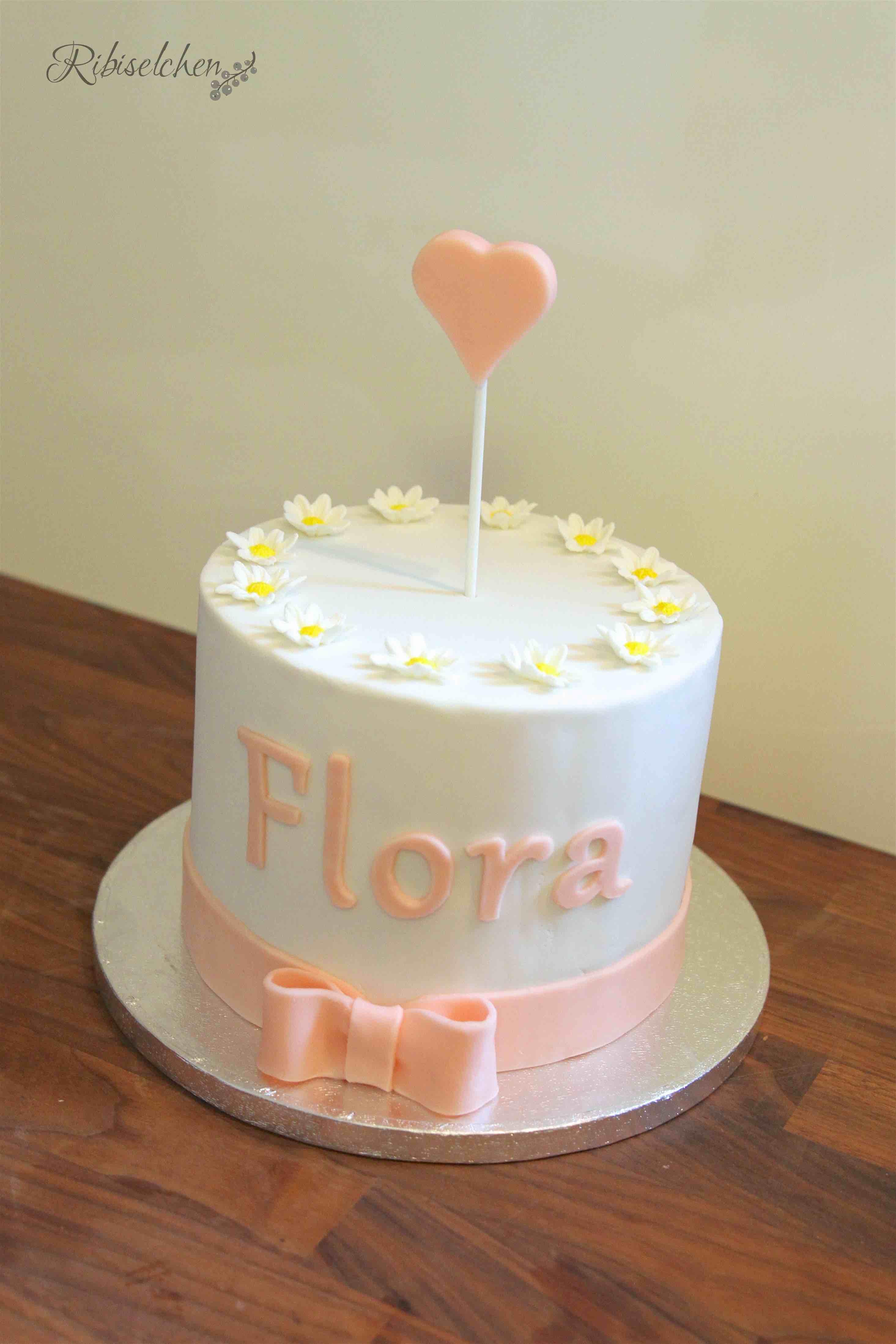 Torte mit Zuckerblumen
